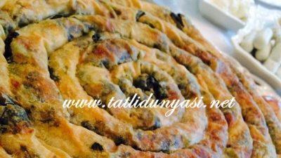 Kremalı Ispanaklı Börek