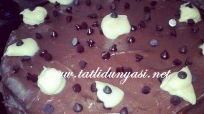 Yoğun Çikolatalı Pasta