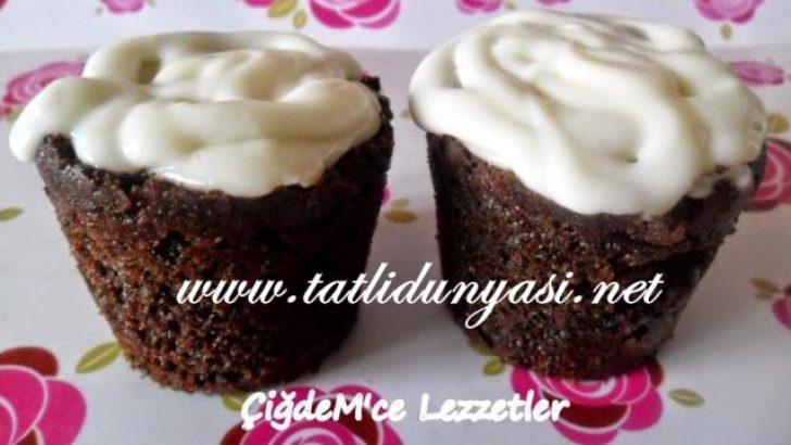Kremalı Bardak Kek