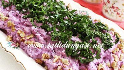 Tavuklu Kırmızı Lahana Salatası