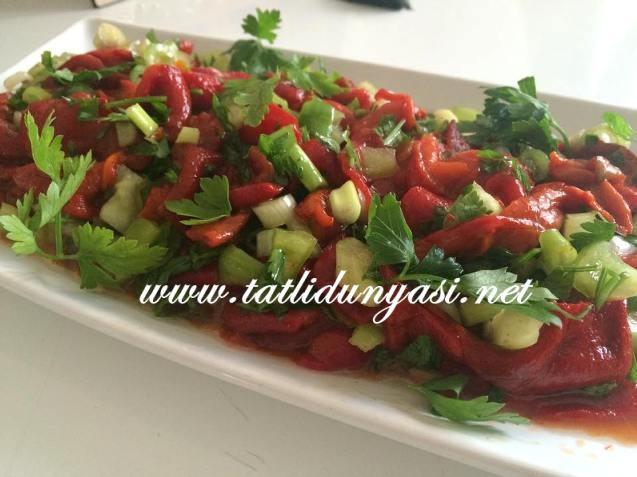 kozlenmis-kirmizi-biber-salatasi