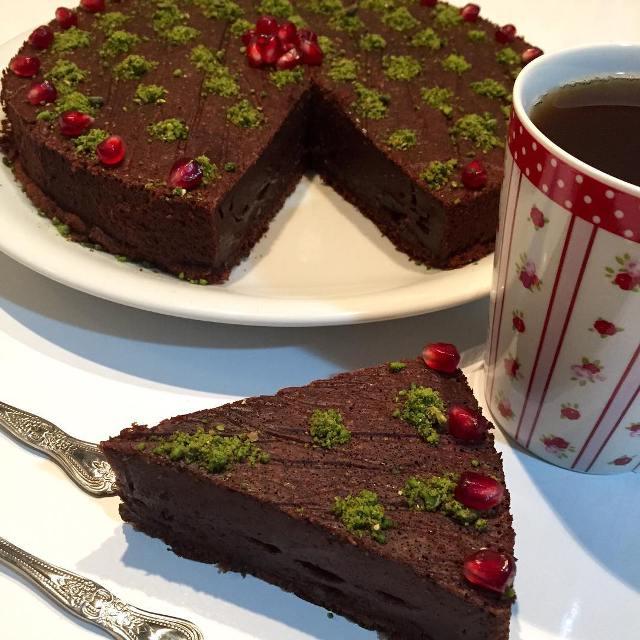 cikolatali-sihirli-kek-tarifi