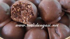 Artan Kakaolu Kek ile Çikolatalı Toplar
