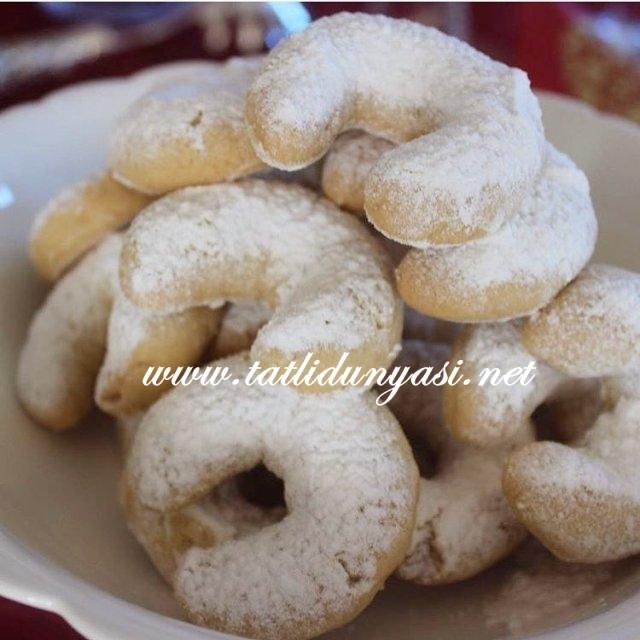 bademli-kurabiye-tarifi